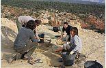 Equipo de paleontólogos en el yacimiento San Lorenzo - cienciaes.com