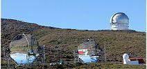 Telescopios Magic y GTC al fondo - CienciaEs.com