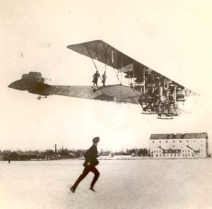 El mosquito que cambió la historia de la aviación - Podcast El Neutrino - CienciaEs.com